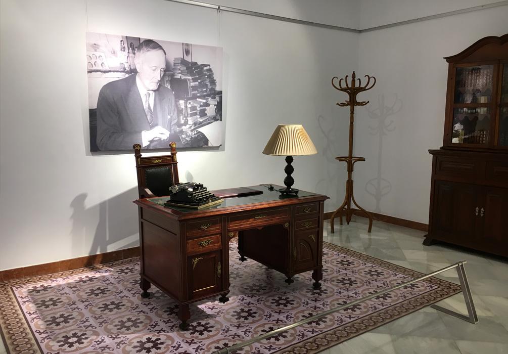 Escritorio de Azorín en la exposición de Alicante para la Diputación de Alicante